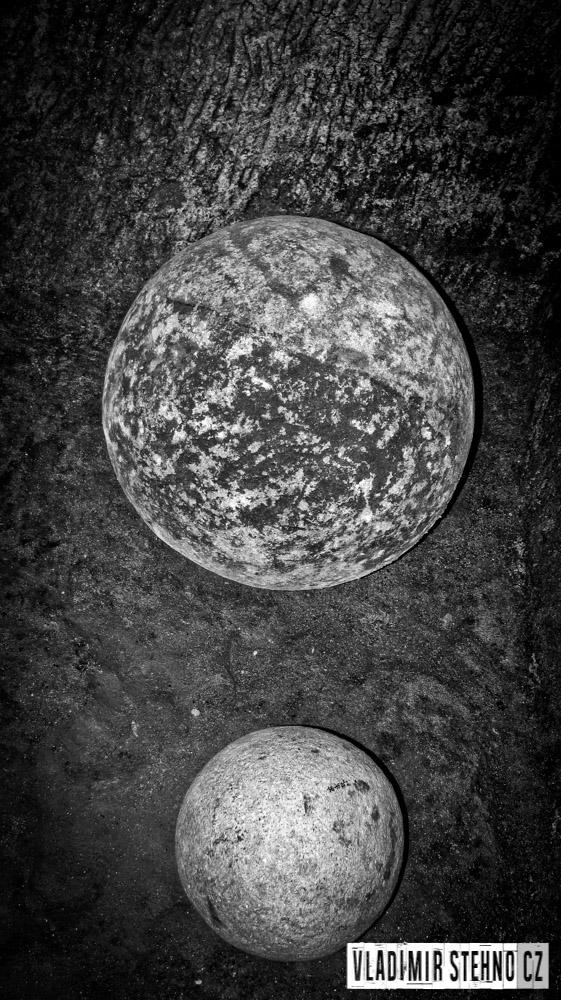 dělové koule