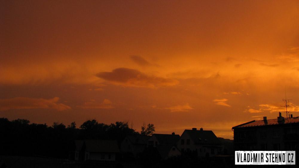 Západ Slunce, Libice nad Doubravou, 07.08.2011.