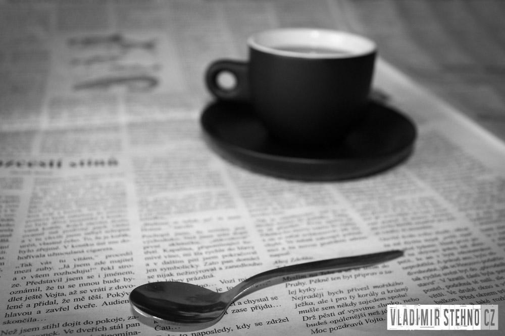 Noviny, kafíčko, Libice nad Doubravou, 29.03.2015